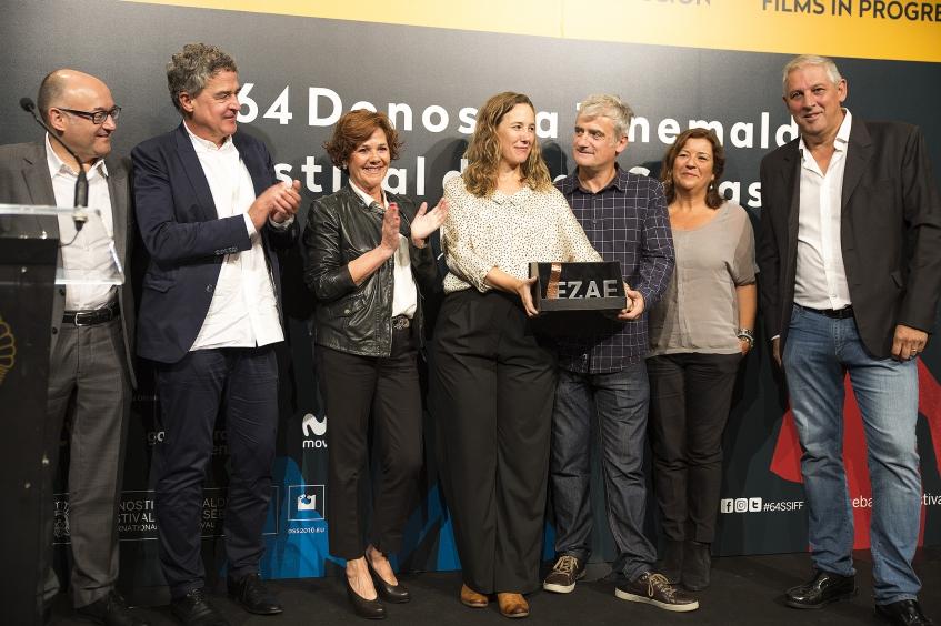 Amama recibe el premio EZAE